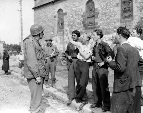Le Major Général M.S Eddy à Beauvain